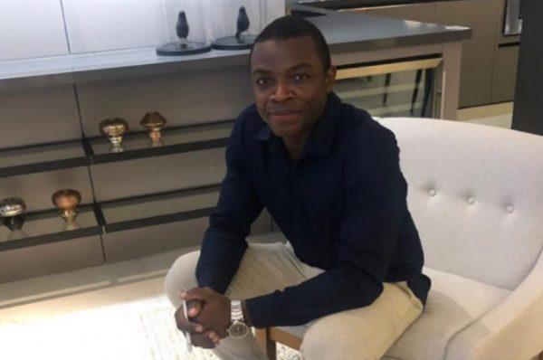 """Apelidado de """"príncipe de Angola"""", o publicitário Abdul conta um pouco de sua vida no Brasil"""